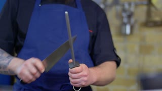 Chef sharpen knife