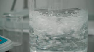 Mixing powder and liquid in laboratory