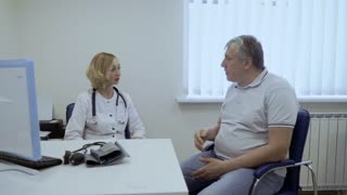 Old man complain about his health to the doctor