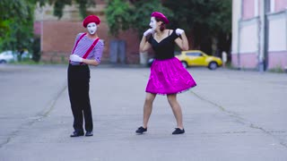 Two mimes girls show