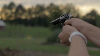 4K 60 Fps Slow Motion 22 Mm Hand Gun Revolver Shells Shooting Target Practice Slider Shot