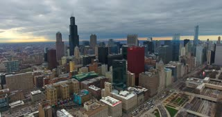 Helicopter Chicago Skyline Buildings City Urban Establishing Shot Flying CNA Building Willis Tower 4K