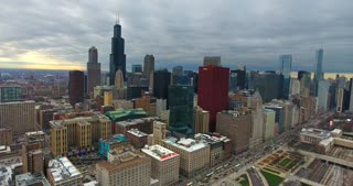 4K Aerial Chicago Skyline Buildings City Urban Establishing Shot Flying Cna Building Willis Tower
