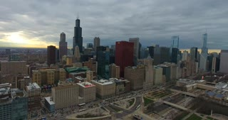 4K Aerial Chicago Skyline Buildings City Urban Establishing Shot Flying Cna Building Willis Tower Helicopter Flying Right