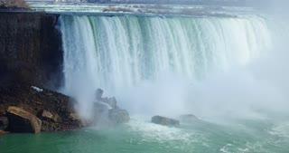 4K Niagria Falls Mist Cloud Waterfall Gulls Rainbow