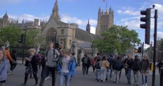 4K Slow Motion London Parlement Buildings City Traffic Urban People Crossing Crosswalk Bustle Humanity