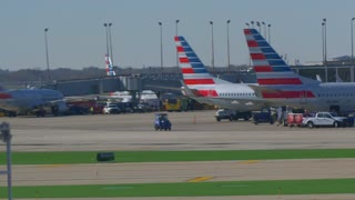 American Airlines Busy Airport Tarmac Airlines Pilots Taxying Airplane Flying Away From Airport Travel Jumbo Boeing Commercial Aviation Vacation Jet Engine Thrust