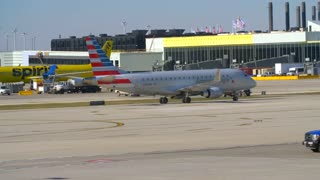 American Airlines Drives Through Shot Jets Busy Airport Tarmac Pilots Taxying Airplane Flying Away From Airport Travel Jumbo Boeing Commercial Aviation Jet