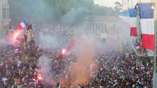 Crowd celebrating timelapse in Montpellier place de la comedie.