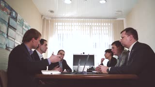 The team of top managers of leading the discussion