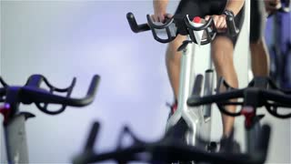 Spinning class: changing gear and constant speed