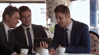 Use the tablet in a business meeting