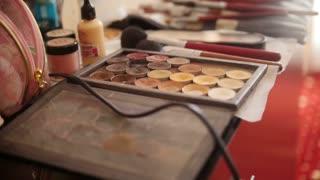 Make Up Artist - Slider Of Brushes