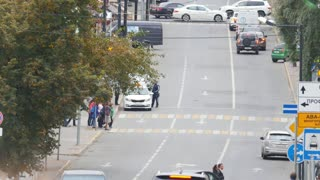 Kazan, Russia - 21 september 2017 - people crossing road in center of city