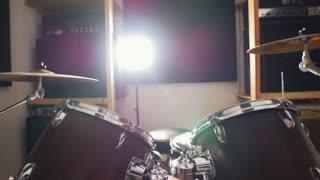 Music un the garage - drum machine, slider shot