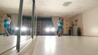 Video hot teen girl dance — img 1
