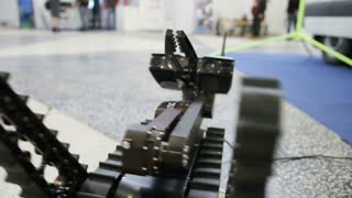 Working manipulators to interact - robot for the explosions discovery and searching on the remote control