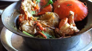 Baked crabs with vermicelli in pot, Thai Chinese seafood dish