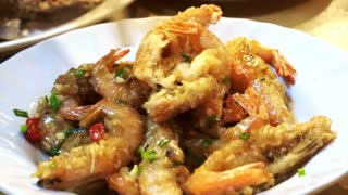 Video of Chinese cuisine salt and pepper shrimps