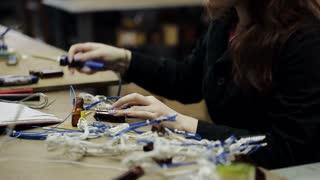 girl solder cable details