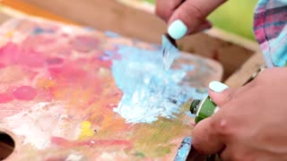 artist brush messy mix color oil painting