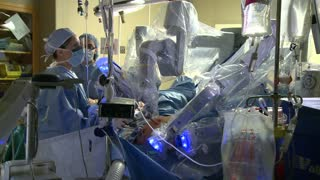 Robotic hysterectomy surgery (5 of 15)