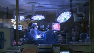 Surgeons performing a medical operation (13 of 15)