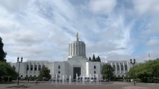 Oregon State Capitol Building Time Lapse