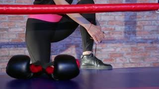 woman kickboxing fitness