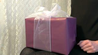 Unpacking a gift 4K