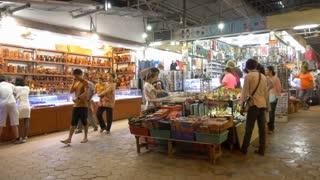 SIEM REAP, CAMBODIA - NOV 2015: Tourist bazzar market place