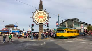 San Francisco trolley rides through Fisherman's wharf