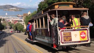 San Francisco trolley rides through the city 2
