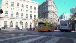 San Francisco trolley rides through the city 4