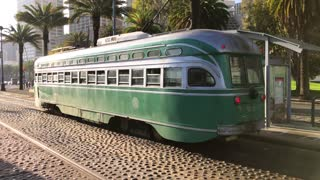 San Francisco trolley rides through the city 6