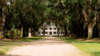 Baton Rouge Plantation House with Long Driveway (Far)