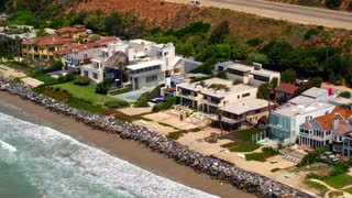 Beautiful Beach Houses in Malibu
