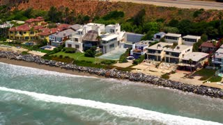 Beautiful Beach Houses in Malibu