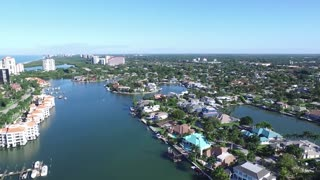 Luxury Homes in the Marina