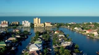 Luxury Homes in Tropical Harbor