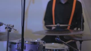 drummer play on drums