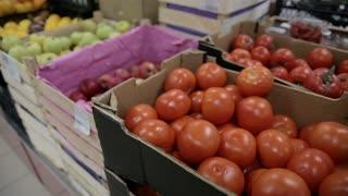 tomato in the shop