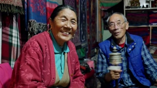 4K Video smiling of old Tibetan