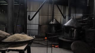 4K Steaming pot of noodles making in the noodles factory