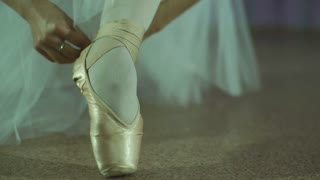 close-up of a ballerina feet in pointe