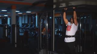 man doing pull UPS