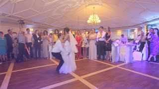 First wedding dance of newlywed