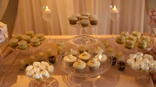 Video wedding decor sweets on the table