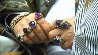 Big Jewelry On Hand 1