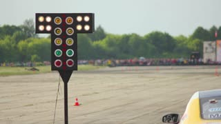 Car racing - Starting